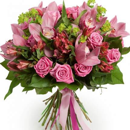 Букет красивих квітів  - придбати в Україні