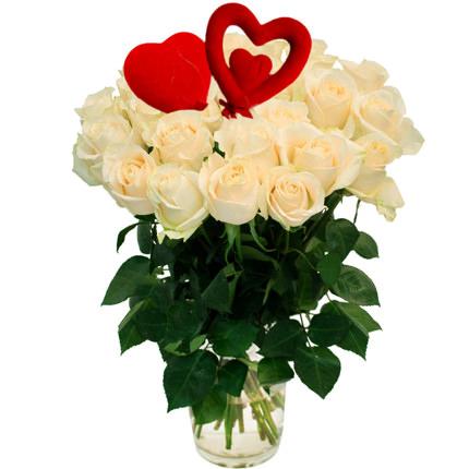 25 белых роз с сердечками  - купить в Украине
