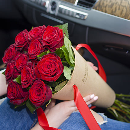 "Bouquet in the cone-package ""Bouquet of roses""  - buy in Ukraine"