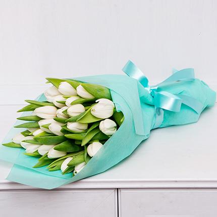 25 білих тюльпанів  - придбати в Україні