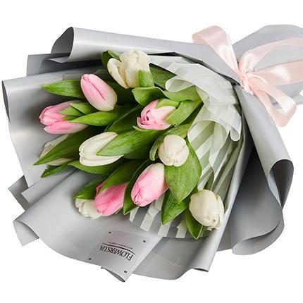 """Букет """"11 білих і рожевих тюльпанів""""  - придбати в Україні"""