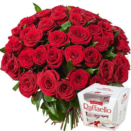 51 червона троянда + Raffaello  - придбати в Україні