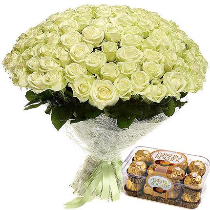 75 білих троянд  - придбати в Україні