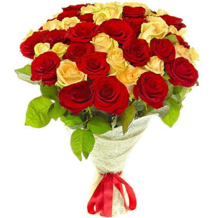 51 красная и кремовая роза  - купить в Украине