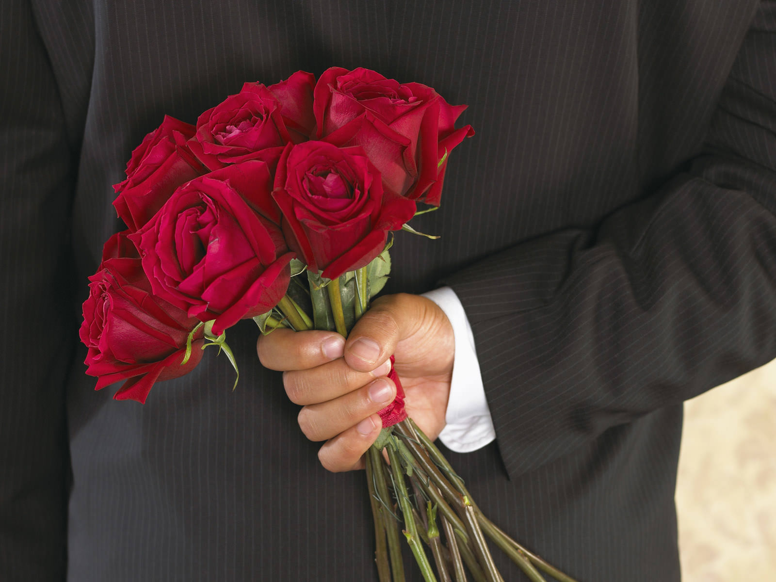 часто дарить цветы
