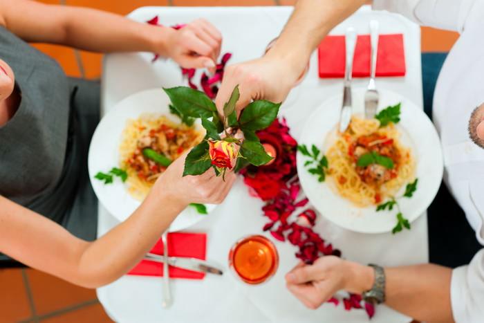 цветы на свидание в ресторане