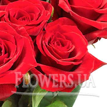 """Букет троянд """"Урочистiсть"""" - замовити з доставкою"""