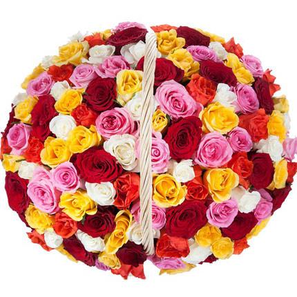 """Кошик """"101 різнокольорова троянда"""" - замовити з доставкою"""
