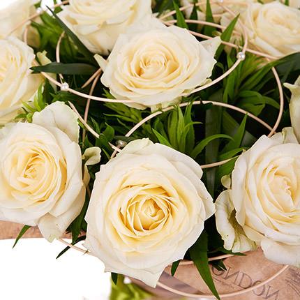 15 кремових троянд - замовити з доставкою