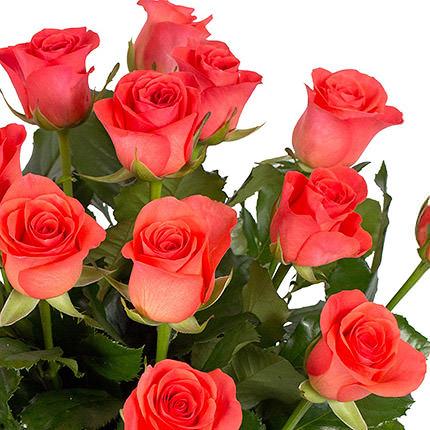 15 коралловых роз с воздушным шариком - доставка по Украине