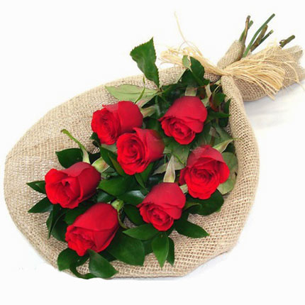 7 red roses with balloons - delivery in Ukraine