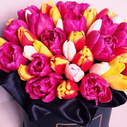 """Flowers in a box """"Chic"""" - order with delivery"""