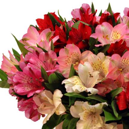 """Цветы в коробке """"Цвет счастья"""" - заказать с доставкой"""