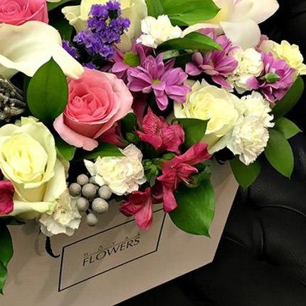 "Flowers in a box ""Royal luxury"" - delivery in Ukraine"