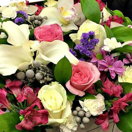 """Цветы в коробке """"Королевская роскошь"""" - заказать с доставкой"""