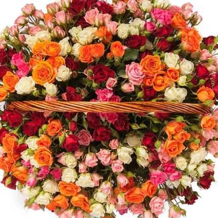 """Корзина """"101 разноцветная кустовая роза"""" - заказать с доставкой"""