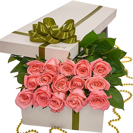 """Flowers in a box """"15 pink roses"""" - delivery in Ukraine"""