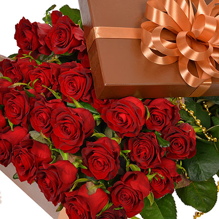 "Flowers in a box ""25 red roses!"" - order with delivery"