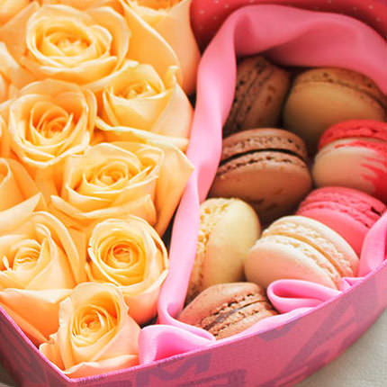 """Flowers in a box """"Heartily..."""" - delivery in Ukraine"""