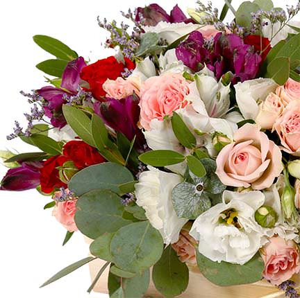 "Flowers in a box ""Luxury style"" - order with delivery"