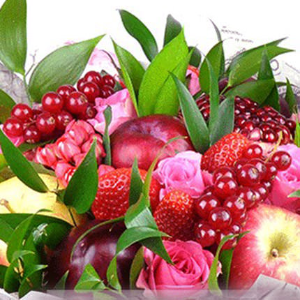 """Fruit bouquet """"Sweet kiss"""" - order with delivery"""
