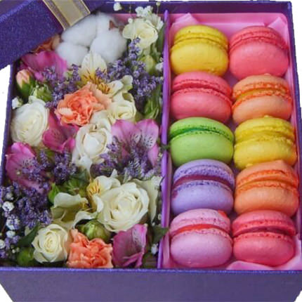 """Composition in a box """"Romantic evening"""" - delivery in Ukraine"""