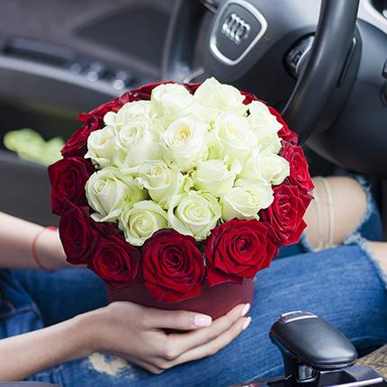 """Flowers in a box """"Prestige!"""" - delivery in Ukraine"""