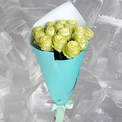 Букет з 15 білих троянд - доставка по Україні