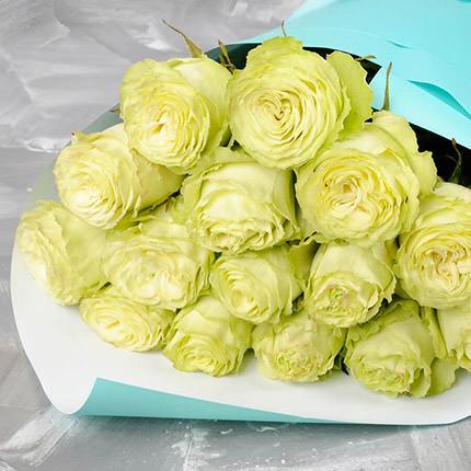 Букет з 15 білих троянд - замовити з доставкою