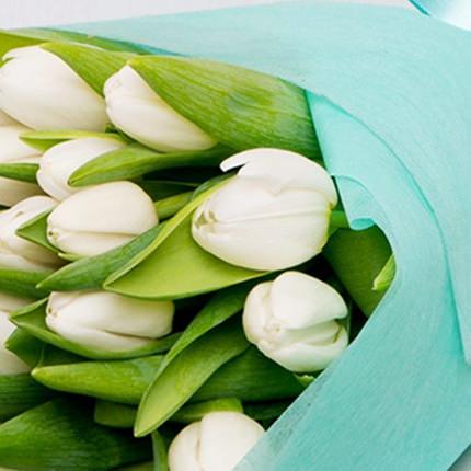 25 білих тюльпанів - доставка по Україні