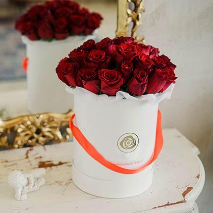 """Цветы в коробке """"Love U!"""" - доставка по Украине"""