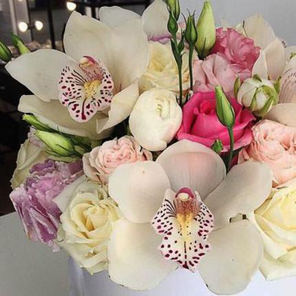 """Цветы в коробке """"Прекрасное чувство!"""" - заказать с доставкой"""