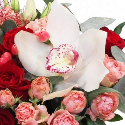"""Цветы в коробке """"Красотка"""" - доставка по Украине"""