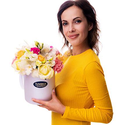 """Квіти в коробці """"Прекрасне почуття!"""" - замовити з доставкою"""