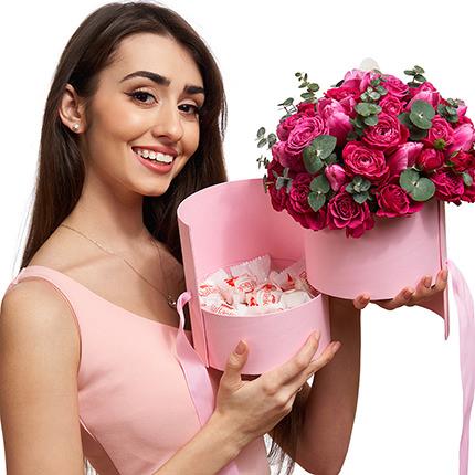 """Цветы в коробке """"Восторг!"""" - доставка по Украине"""