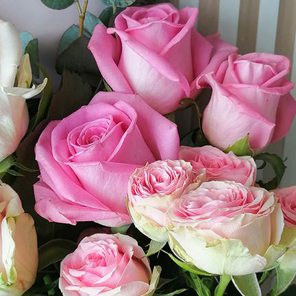 """Author's bouquet """"Compliment of roses"""" - delivery in Ukraine"""