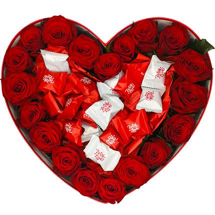 """Цветы в коробке """"Любимой"""" - доставка по Украине"""