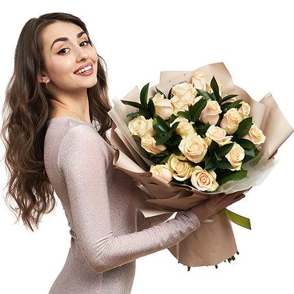25 кремовых роз - доставка по Украине