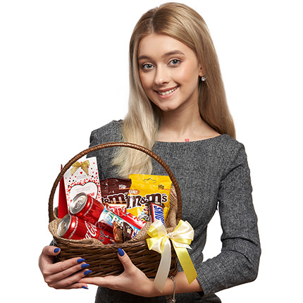 """Gift basket """"Sweet tooth's dream"""" - delivery in Ukraine"""