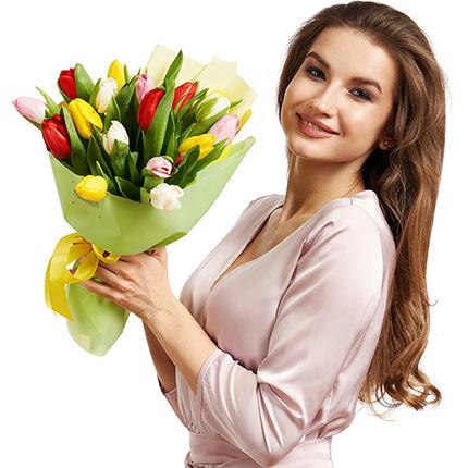 """Букет """"17 різнокольорових тюльпанів"""" - доставка по Україні"""