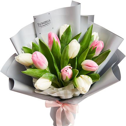 """Букет """"11 білих і рожевих тюльпанів"""" - замовити з доставкою"""