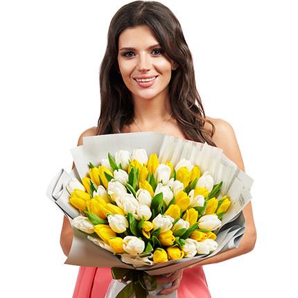 51 белый и желтый тюльпан - доставка по Украине