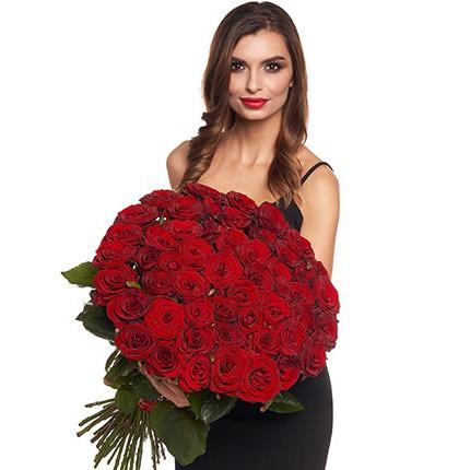 51 червона троянда + Raffaello - доставка по Україні