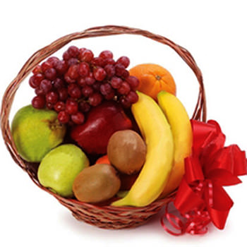 "Fruit basket ""Sweet moment"" - delivery in Ukraine"