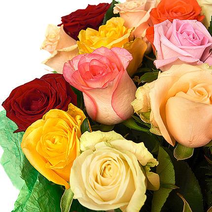 51 різнокольорова троянда - замовити з доставкою