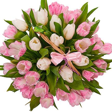 Корзина нежных тюльпанов - доставка по Украине