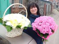 Basket of сhrysanthemums