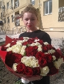 101 red and white rose