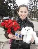 25 красных роз с сердечками