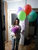 9 різнокольорових кульок